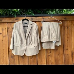 Talbots tan suit lined never worn